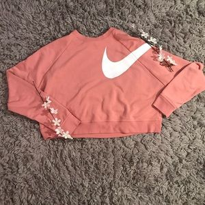 Nike Dry Versa Long Sleeve Cropped Crewneck💗